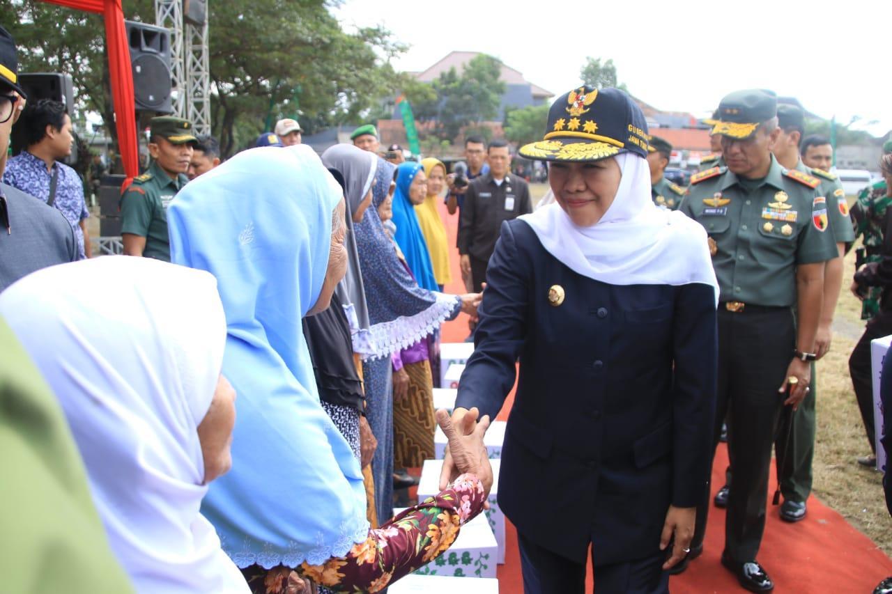 Buka TMMD, Gubernur Khofifah Harap Perluas dan Percepat Kesejahteraan Masyarakat