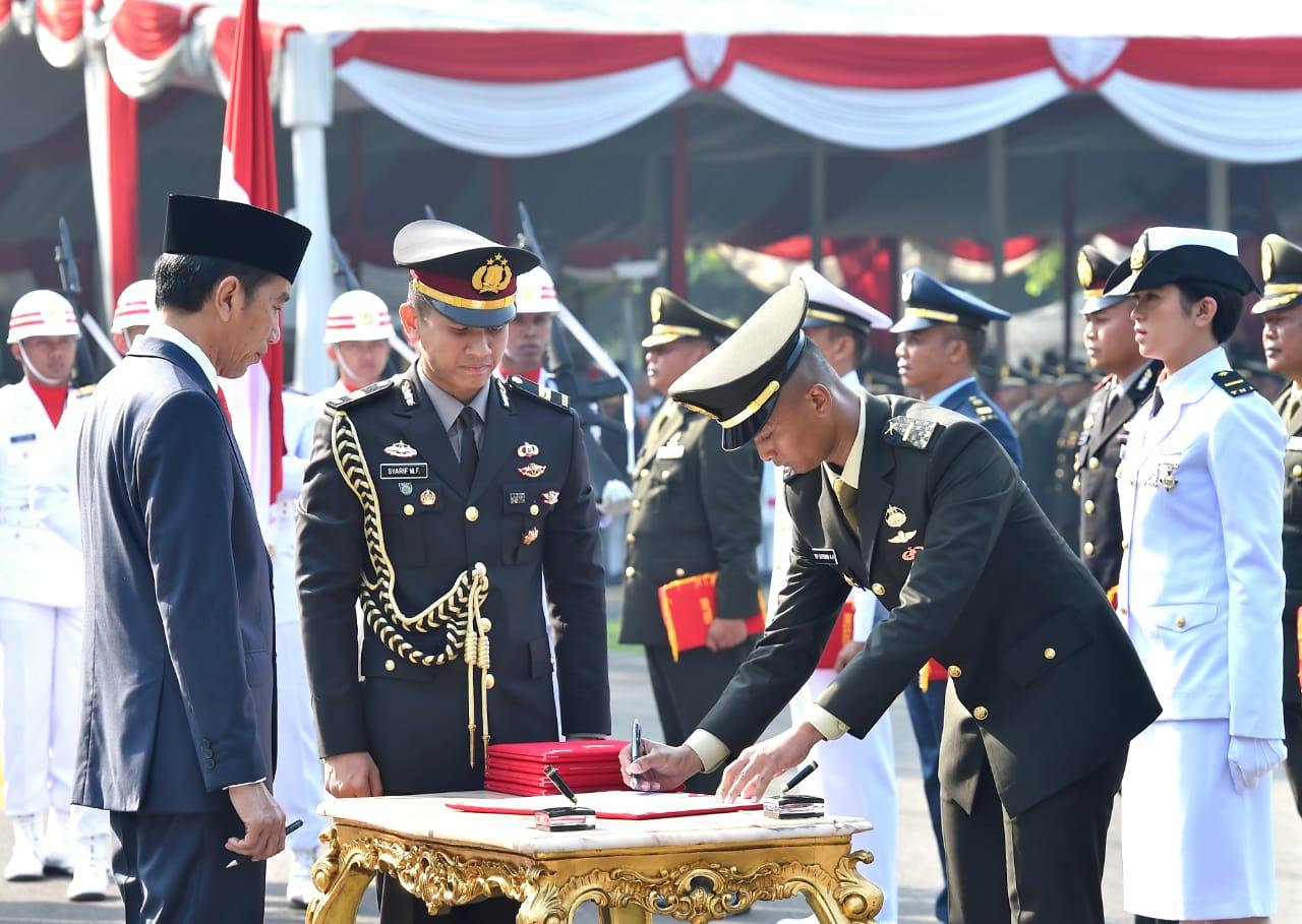 Presiden Jokowi Lantik 781 Perwira TNI dan Polri Tahun 2019