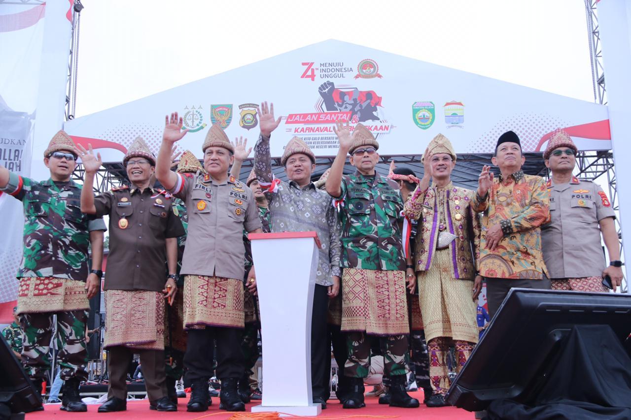 Jalan Santai dan Karnaval Kebhinekaan di  BKB Palembang