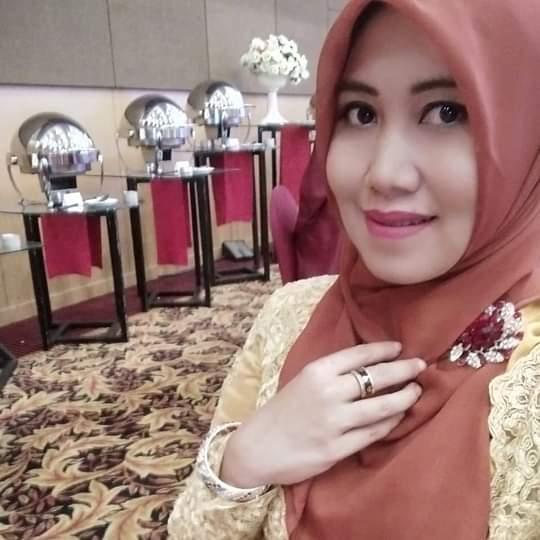 Lia dan Gus Hans Pasangan yang Pas Untuk Pimpin Surabaya