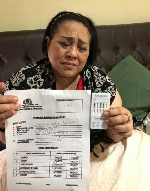 Pelawak Nunung Ditangkap Kedapatan Gunakan Sabu