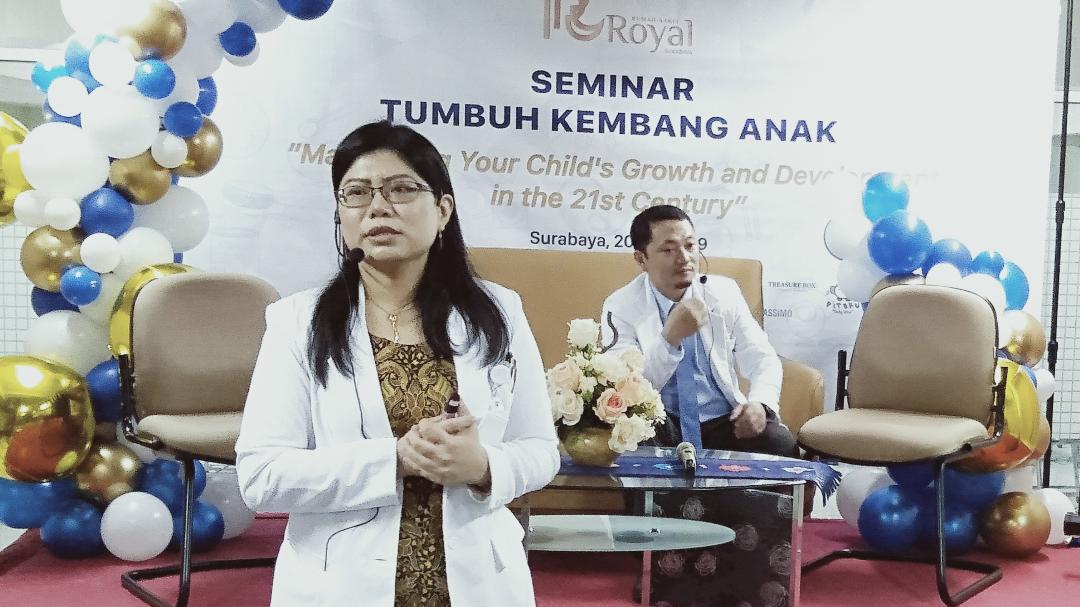 RS Royal Surabaya Gelar Seminar Tumbuh Kembang Anak, Ini Pesannya