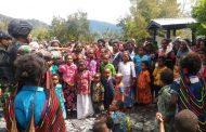Peduli Kesehatan Masyarakat, Satgas Pamtas RI-PNG Yonif Raider 514/SY Ajarkan Cuci Tangan