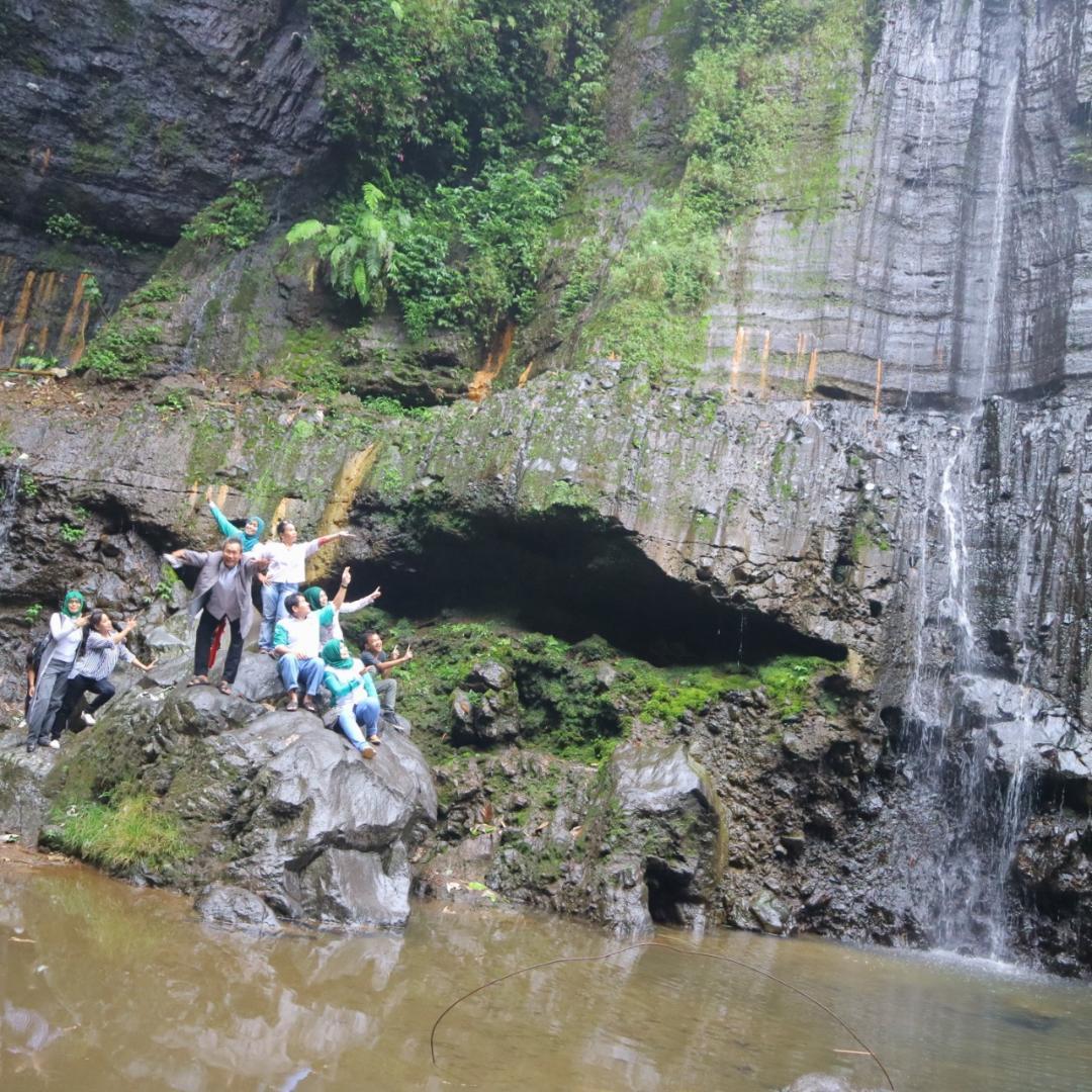 GENPPARI : Batu Mahpar Perpaduan Wisata Rekreasi dan Wisata Spiritual di Tasikmalaya
