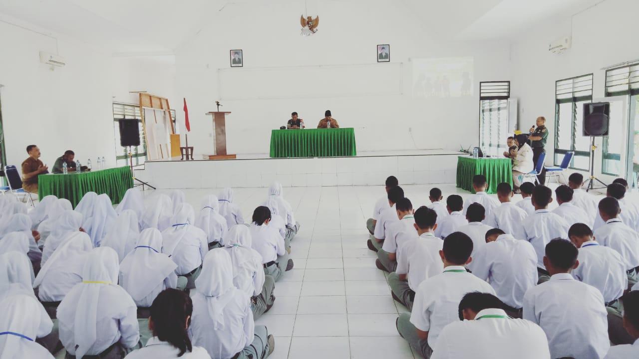 Pengenalan Lingkungan Sekolah, Dandim 0209/LB Tanamkan Waserbak Kepada Siswa
