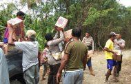 Polsek Bacan Timur Berikan Bantuan ke desa  Nyonyifi dan Sayoang