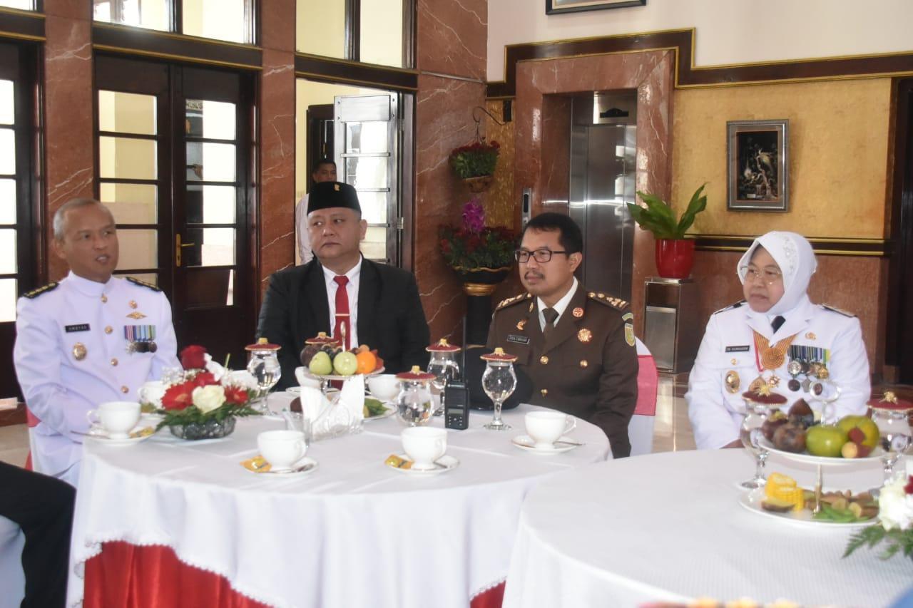 Aspers Danlantamal V Hadiri Upacara HUT RI ke- 74 Tahun 2019 di Balai Kota Surabaya