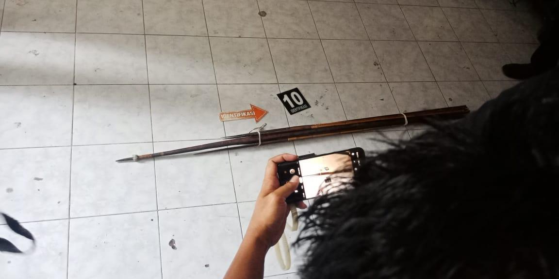 Olah TKP di Asrama Mahasiswa Papua, Aparat Temukan Bom Molotov dan Sajam