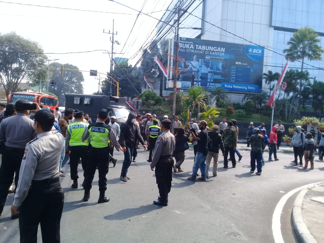 Aksi Demo Mahasiswa Papua di Malang Berakhir Bentrok