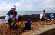 Jelang HUT Ke-74 RI, Bupati Kepsul Bersama Forkompinda Mananam Pohon