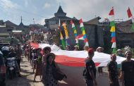 Uniknya Peserta Karnaval HUT RI Ke -74 di Petung Manfaatkan Bahan Limbah