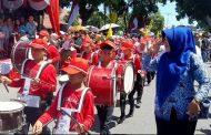 Ikuti Karnaval HUT RI Ke-74, SD 10 Tampil Beda Dan Menarik