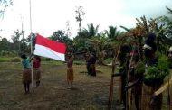 Satgas Pamtas Yonif 411 Gelar Upacara HUT Ke-74 RI dengan Masyarakat Kampung Yakyu Papua