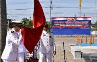 Komandan Lantamal V Lepas 233 Personel TNI AL yang Pensiun dengan Upacara Wisuda Purna Bakti
