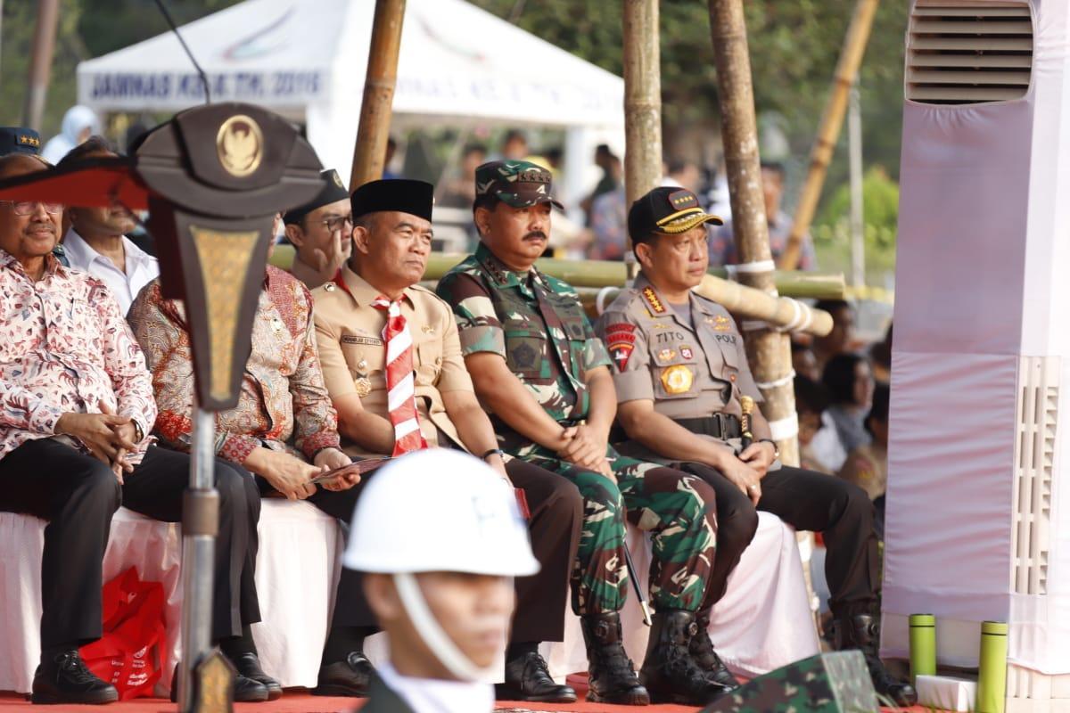 Berita Foto :  Panglima TNI Hadiri Apel Besar Hari Pramuka Ke-58 Tahun 2019