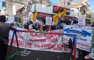 Pelantikan Anggota DPRD Gresik Diwarnai Unjuk Rasa Mahasiswa