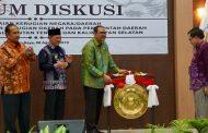 """Wakil Ketua BPK Membuka Seminar """"Tentang Penyelesaian Kerugian Daerah"""" di Palangka Raya"""