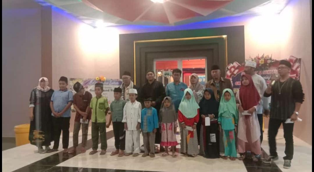 Santunan Yatim Piatu Warnai Launching Grand Royal Resto Gambiran