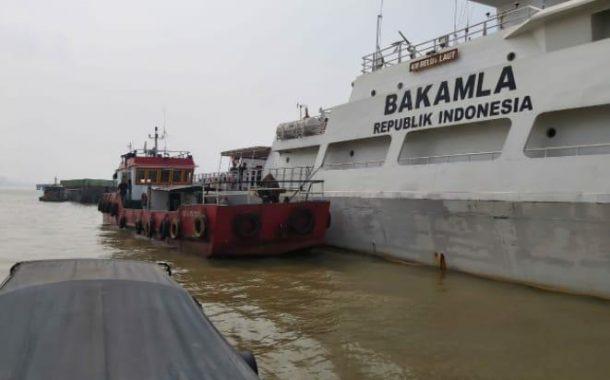 Bakamla Amankan Kapal Minyak SPOB di Sungai Musi Palembang