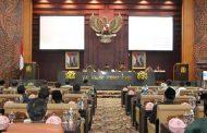Emil Dardak Hadiri Penetapan Pimpinan DPRD Prov. Jatim
