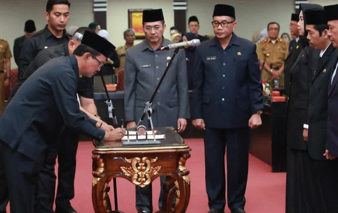 H. Harnojoyo Lantik Sejumlah Pejabat Teras Kota Palembang
