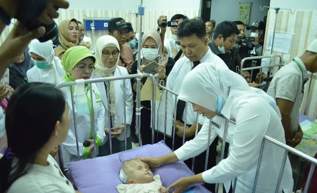 Fitrianti Agustinda Kunjungi Bayi Nashwa Kayla Syafltri