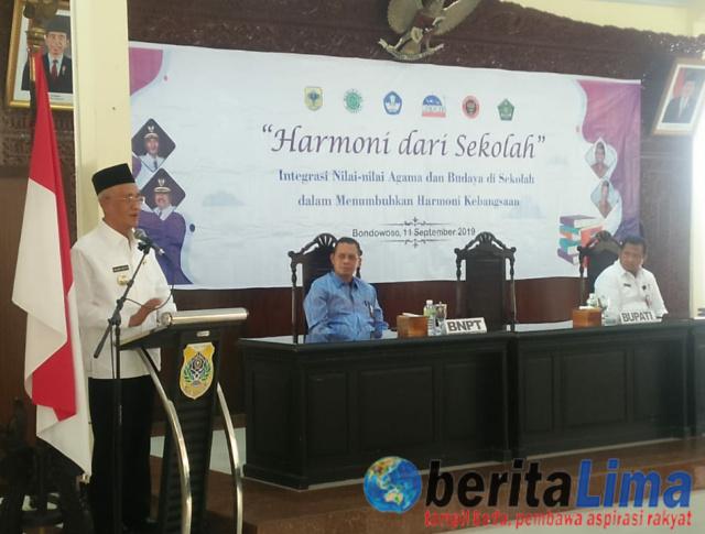 Bupati Salwa Sarankan Guru Berikan Pemahaman Islam Cinta Damai