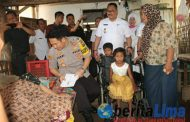 Peduli Kaum Dhuafa, Kapolres Bondowoso Berikan Santunan