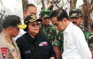 Berita Foto :  Panglima TNI Dampingi Jokowi Tinjau Lokasi Karhutla di Riau
