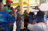 Tuntut Keadilan, Warga Luruk Kantor Kecamatan Proppo di Pamekasan