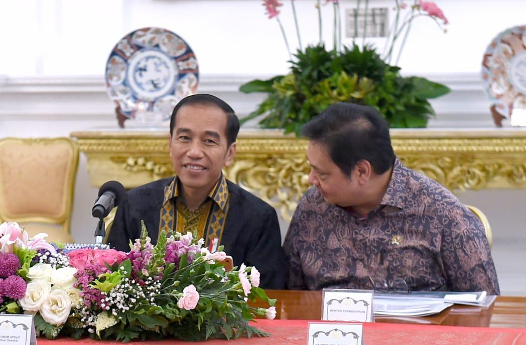 Bertemu API dan APSyFI, Presiden Jokowi Bahas Peluang Tekstil Indonesia di Pasar Global