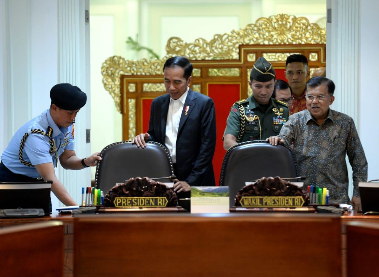 Presiden Jokowi Intensifkan Perbaikan Sistem Perizinan dan Investasi