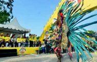 Ribuan Pengunjung Padati Festival Pesona Lokal Adira Finance Surabaya