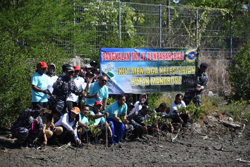 Lanal Denpasar-Pelindo III Benoa Tanaman Pohon Mangrove