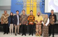 Emil Dardak Ajak Mahasiswa FE Unair Integrasikan Social Action