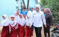 Wakil Walikota Palembang Fitrianti Agustinda Kunjungan ke SMP Negeri 9 dan SD Negeri 160 Palembang