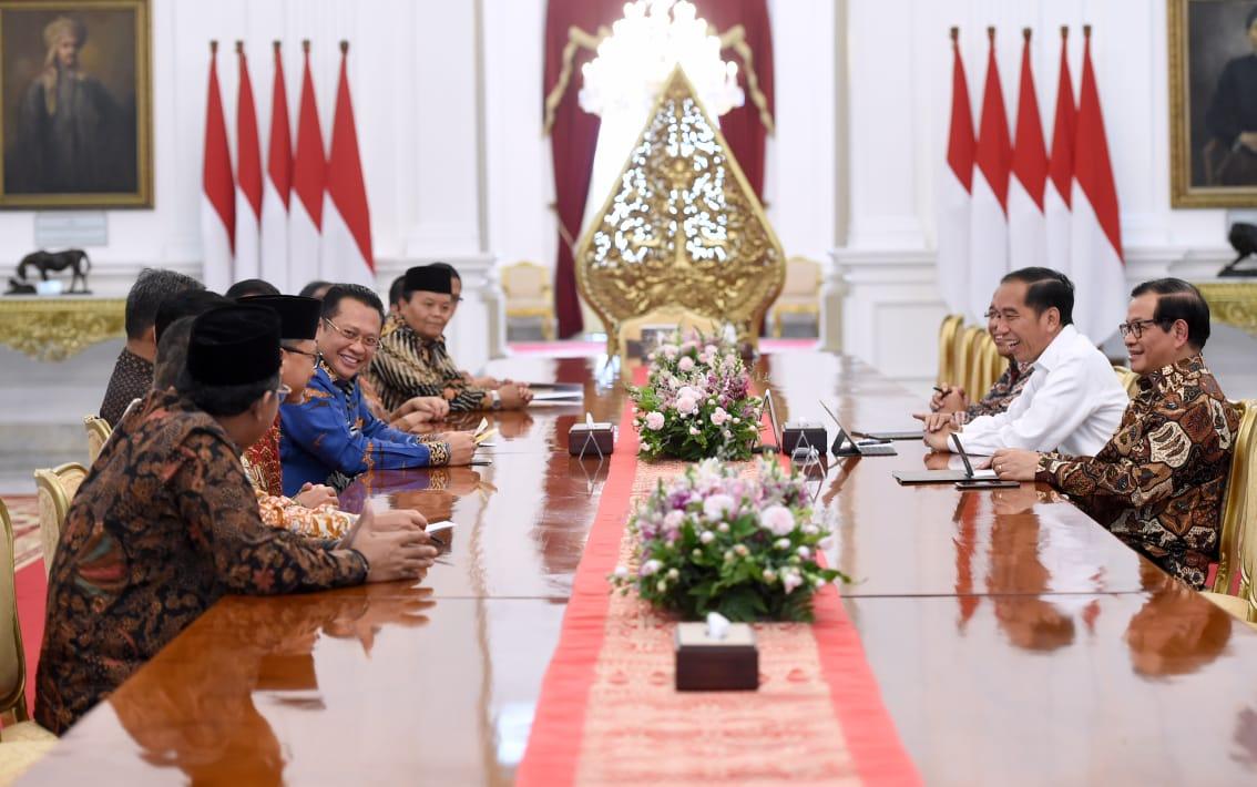 Terima Pimpinan MPR, Presiden Ingin Pelantikan Khidmat dan Sederhana