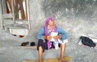Kakek Tanpa Identitas Hidup Terlantar di Kertek