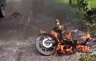 Diduga Korsleting, Sepeda Motor Honda Supra X Milik Oknum Polisi Terbakar di Jalinsum Sergai