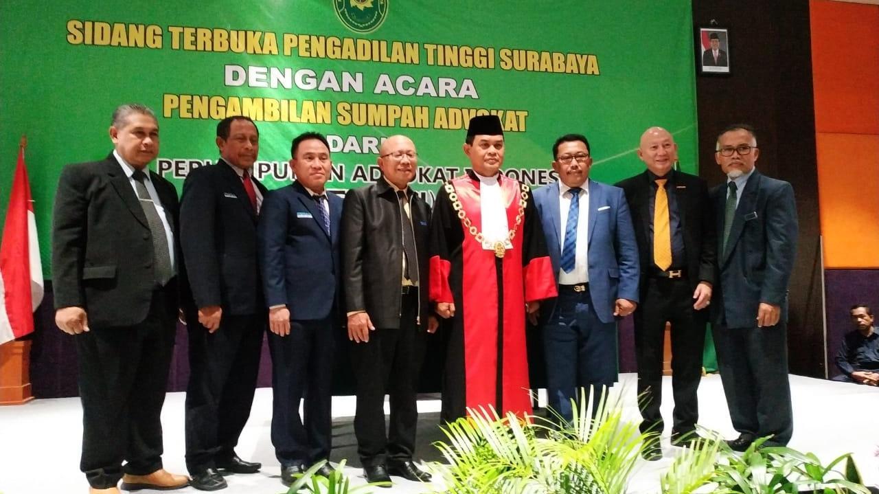 Ketua Pengadilan Tinggi Menyumpah 300 Advokat PERADI