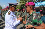 Letkol Marinir Romanimbun Butarbutar Beserta Prajurit Satgas PAM Papua Sandang Pangkat Baru