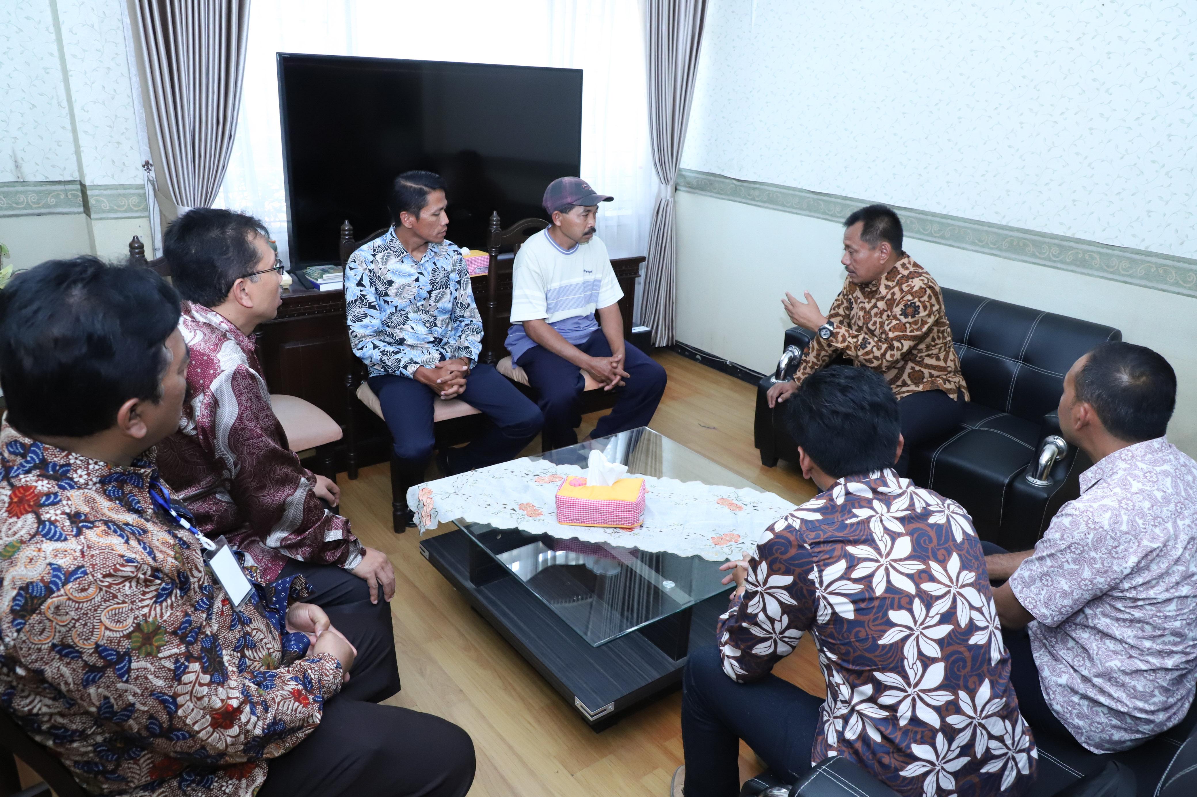 Peduli TKW Mutrifah, Pemprov Jatim Beri Bantuan Perawatan Kesehatan dan Modal Usaha