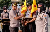 Kapolresta Sidoarjo, Beri Penghargaan Untuk Anggota dan Polsek Berprestasi
