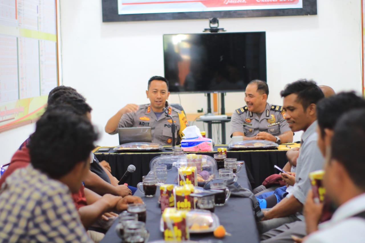 Kapolres Halbar Kopi Morning Bareng wartawan
