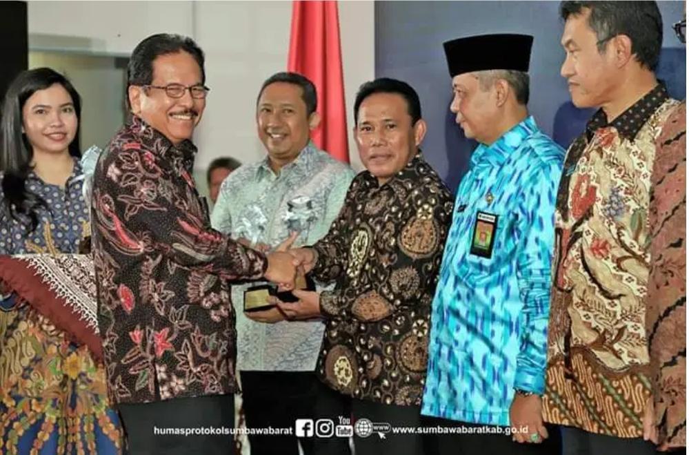 Pemda KSB, Bupati Mendapatkan Penghargaan Dari Kementerian ATR/BPN