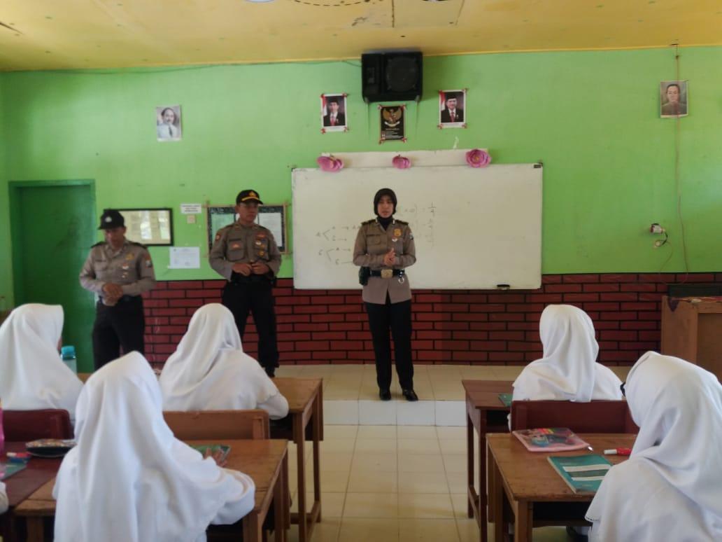 Tingkatkan Kewaspadaan, Polisi Lakukan Penyuluhan Ke Sekolah- sekolah di Pamekasan