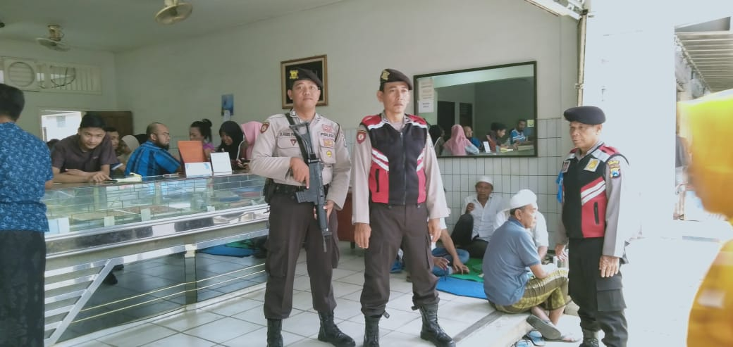Antisipasi Tindak Kriminalitas, Polisi di Pamekasan Patroli Ke Toko Mas