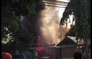 Asyik Tidur, Rumah Pengusaha  Terbakar 3 Mobil dan 4 Motor Ludes Dilalap Api