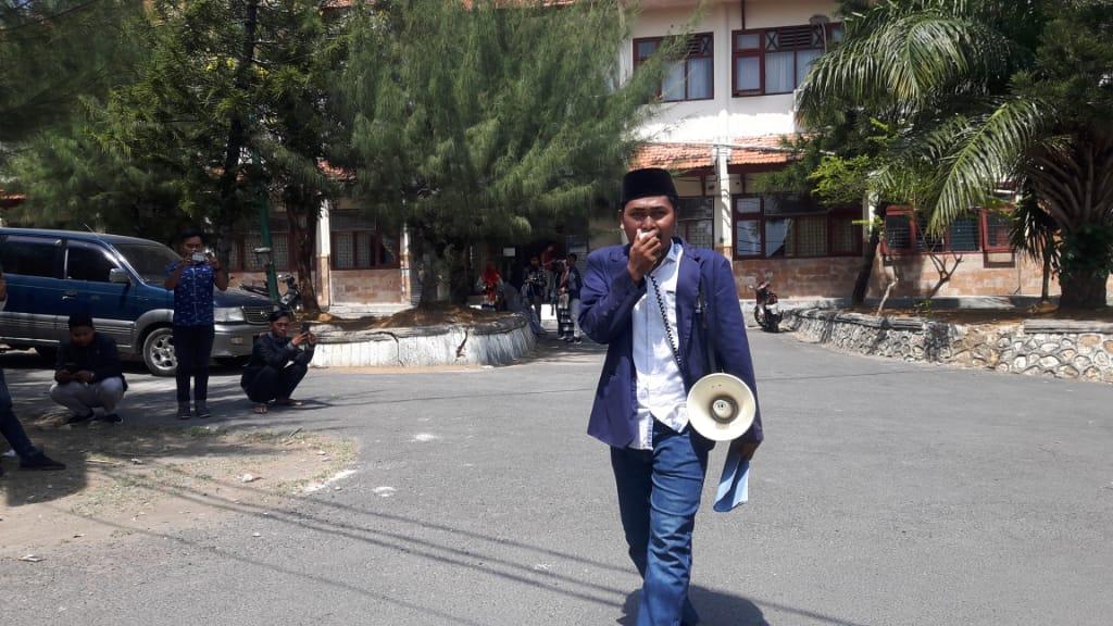 Mahasiswa di Pamekasan Nekat Aksi Tunggal, Begini Kata Rektor IAIN Madura Soal UKM PIB