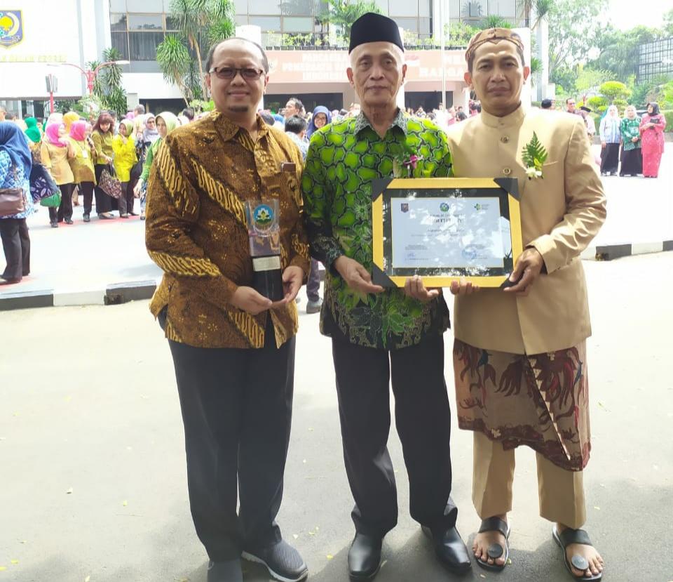 Bondowoso Masuk Kabupaten Sehat, Bupati Salwa Terima Penghargaan Swasti Saba Wiwerda